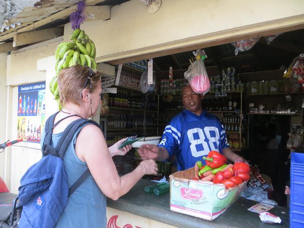 comprando en la calle