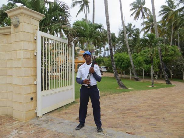 El guachimán forma parte de la vida dominicana