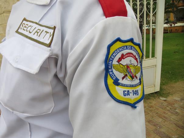 Es habitual observar guardianes uniformados