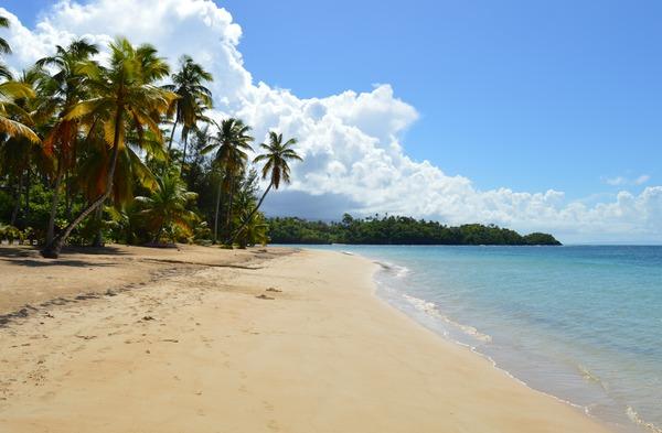 kilómetros de playas solitarias