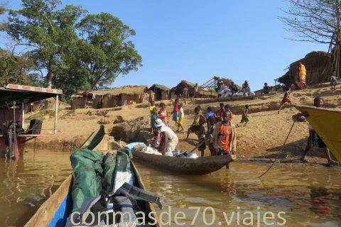 Madagascar / Descenso por el río Tsiribihina II